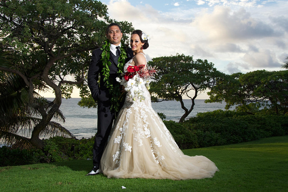 Hot hawaiian weddings milia keani photo 1 join us for milia and keanis sensational hot hawaiian wedding at the turtle bay resort features included incredible flowers and old hawaii vintage pin up junglespirit Images